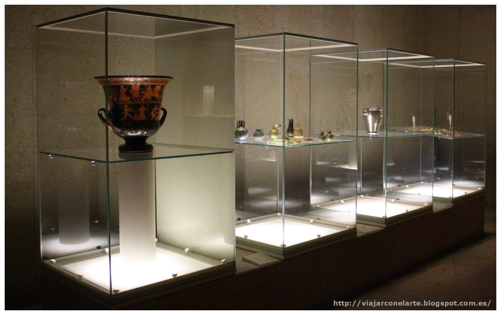 El museu calouste gulbenkian de lisboa - Vitrinas de cristal para colecciones ...