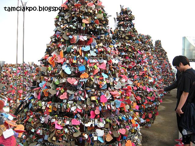 Love chains at Namsan Park