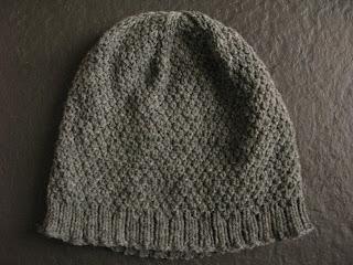 Asterisk hat free knitting pattern by Littletheorem, double moss stitch