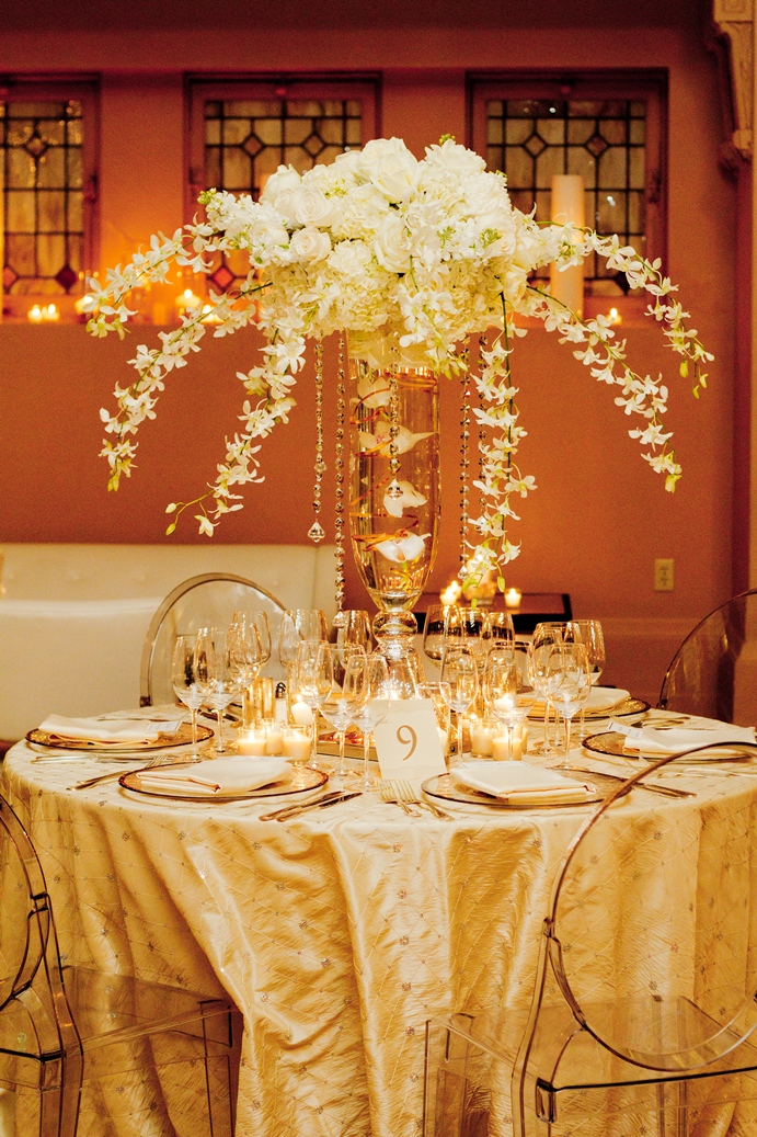 1000 images about white ivory cream decor on pinterest tarun tahiliani white weddings and. Black Bedroom Furniture Sets. Home Design Ideas