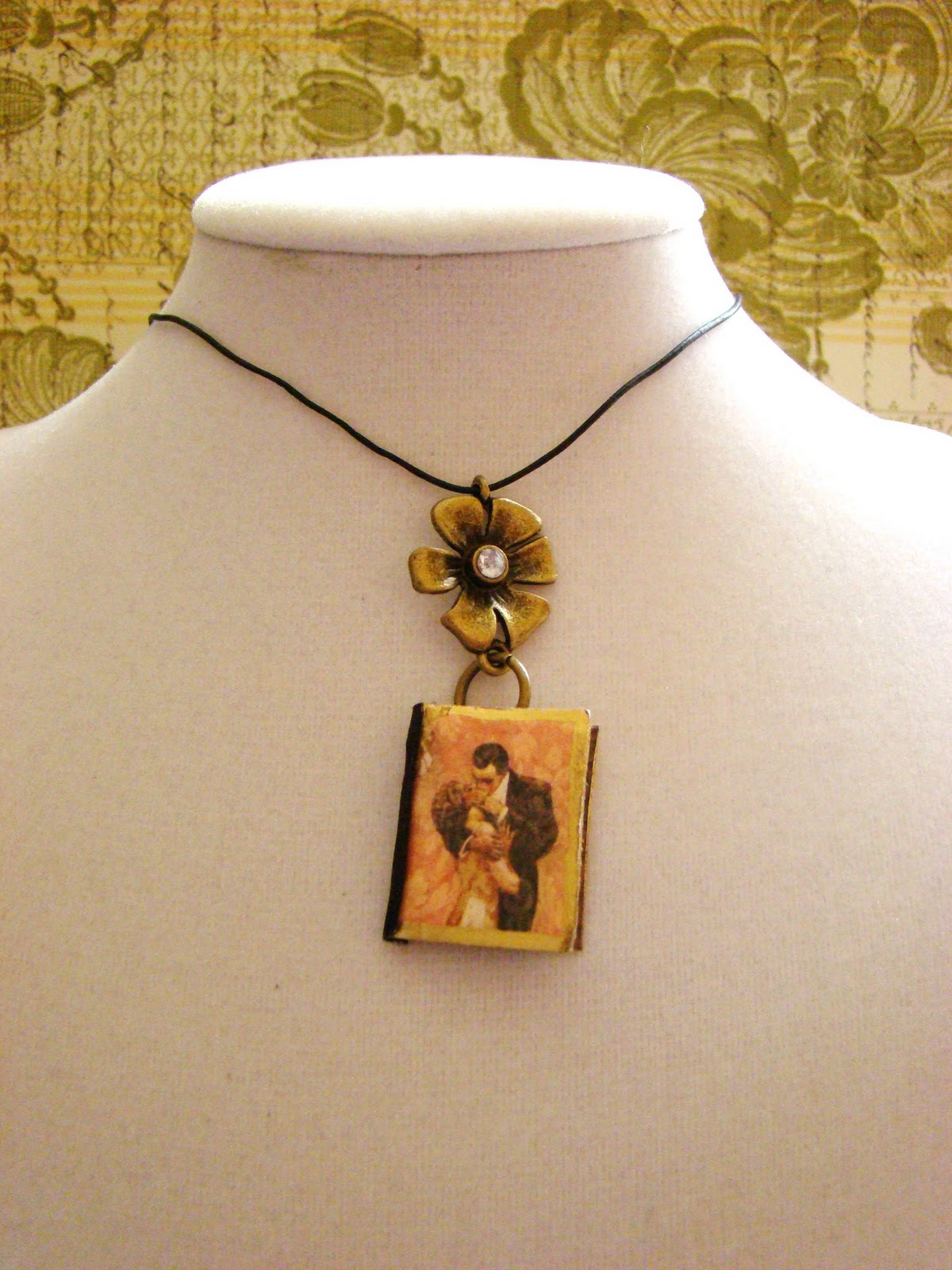 glow by tape ductinamyte dark on in duct art the rolled petal necklace