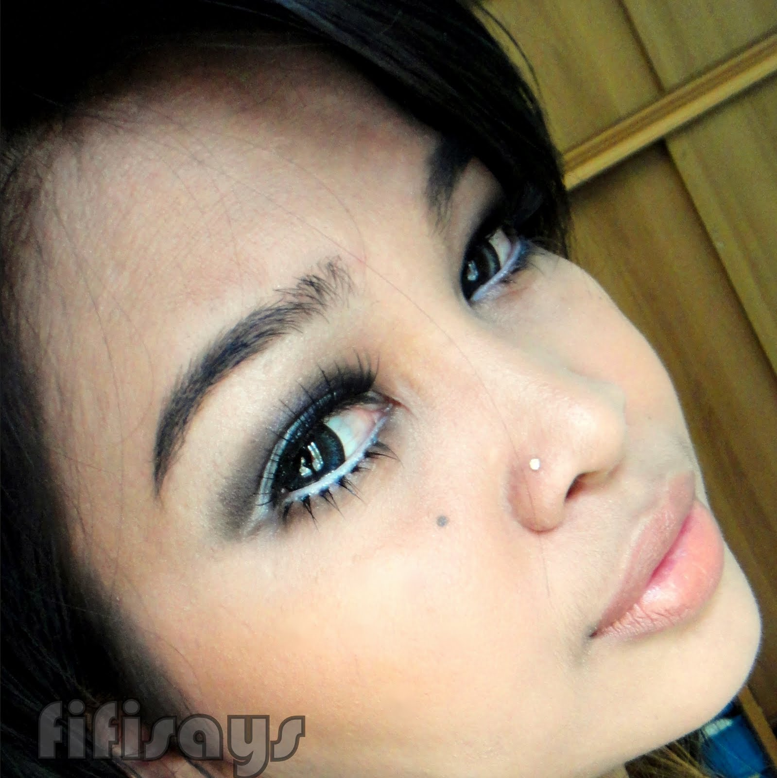 http://4.bp.blogspot.com/-ifvRZdQGOLQ/TlJcCoc09LI/AAAAAAAAAG8/VZohJjnhqD4/s1600/Move+Like+Jagger+Make+Up+Look+-+Face+2.JPG