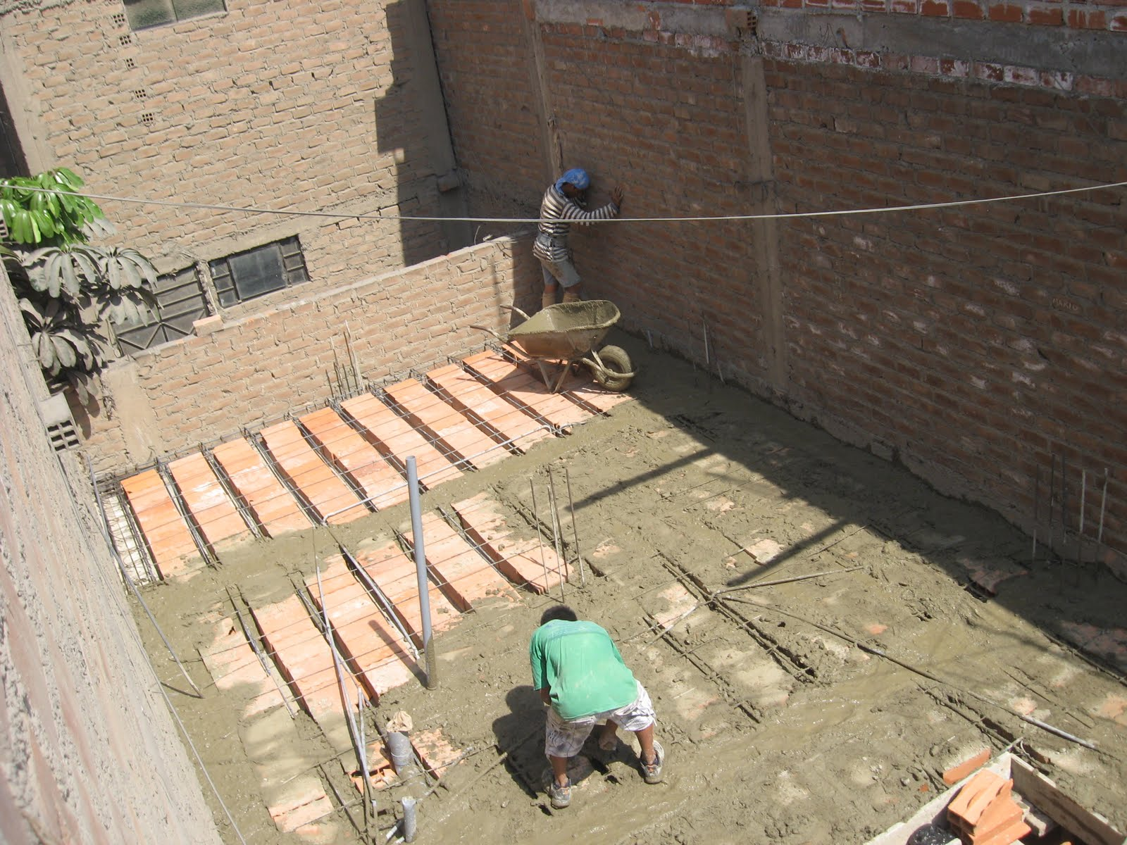 Julio bioqu mica cu nto cuesta construir una casa ahorros for Cuanto cuesta hacer un proyecto de una casa