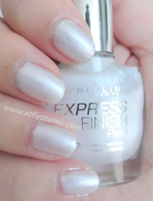 Maybelline Express Finish Pearl nail polish - White Dream