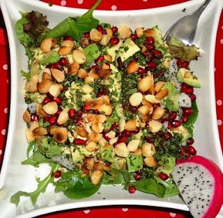 Изысканый салат из драконового фрукта