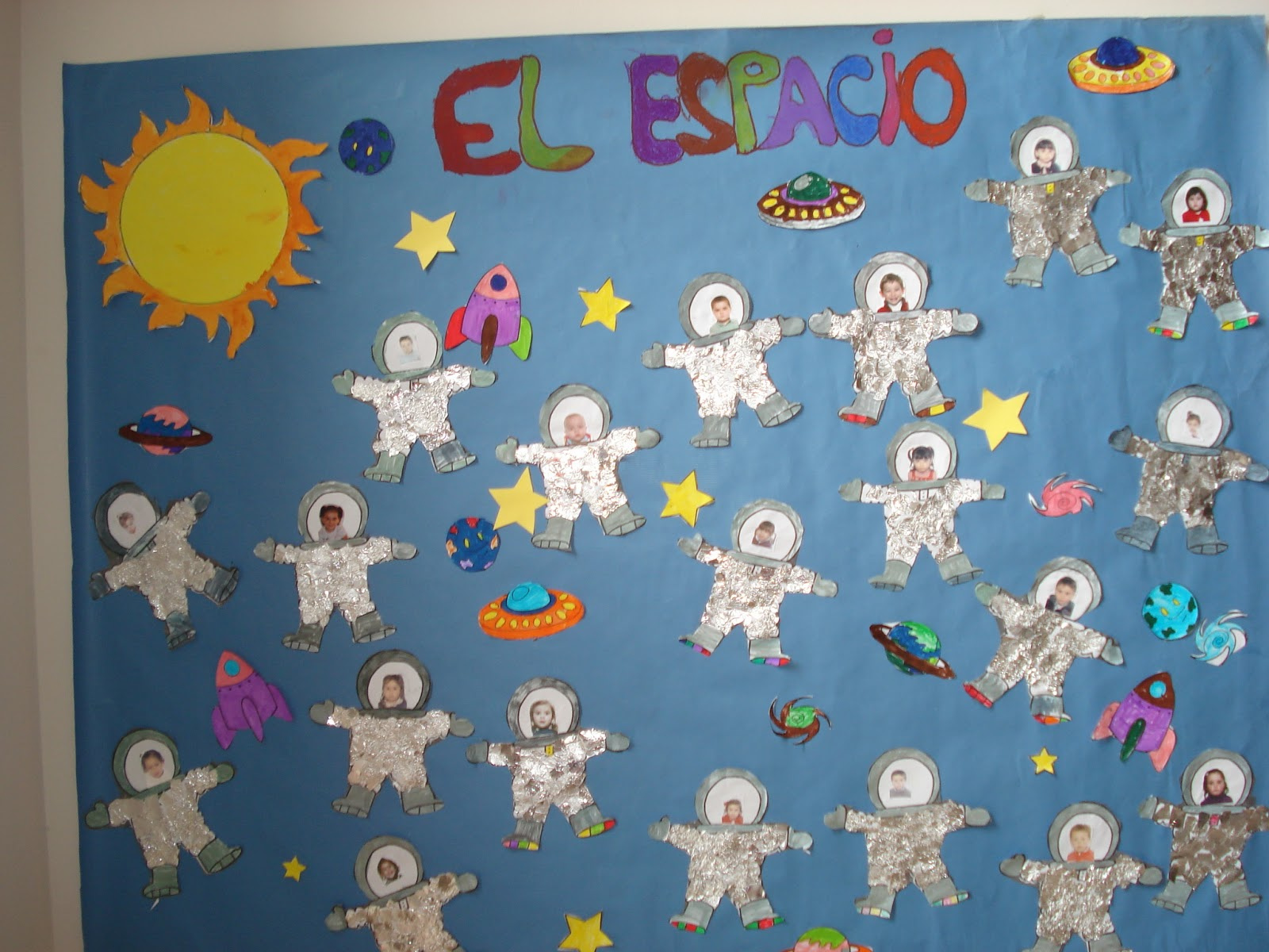 Infantil en ribadesella mayo 2013 - Mural navidad infantil ...