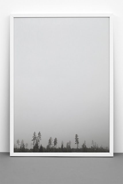 black and white tree print