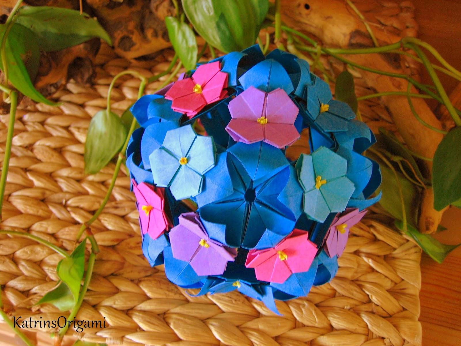 origami die kunst des papierfaltens hortensien kusudama. Black Bedroom Furniture Sets. Home Design Ideas