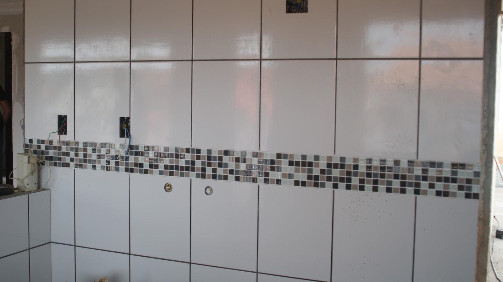 aiiiii minha cozinha com as pastilhas de vidro!!!! *.* #5B4F48 1600 899