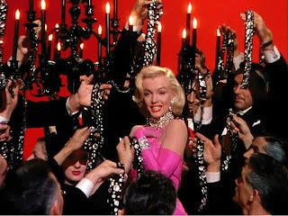 美は一日にしてならず。マリリン・モンローの知られざる努力と美容法。