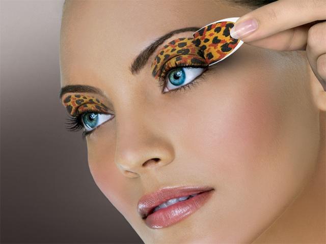Zebra print nail design for short nails