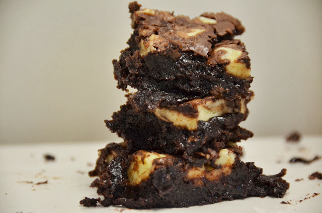 Amaretto Brownies with a Cream Cheese Swirl