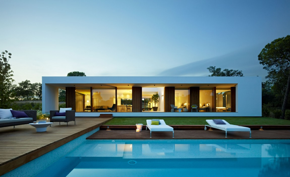 World of architecture modern villa indigo catalonia spain for Modern minimalist villa
