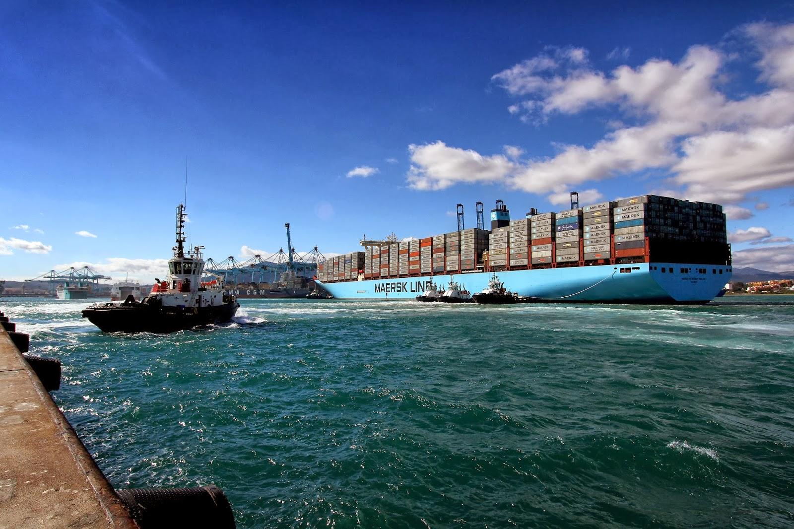 Mc-Kinney-Møller atracando en el puerto de Algeciras