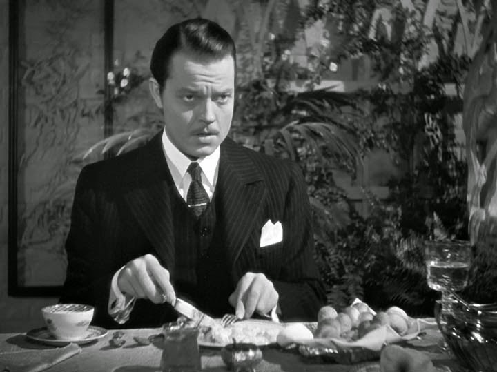 a review of the story of citizen kane Citizen kane made cinematic advances on many fronts, and its most significant contribution to cinematography came from the use of a technique known as deep focus.