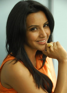 Priya Anand in Vai Raja Vai Movie