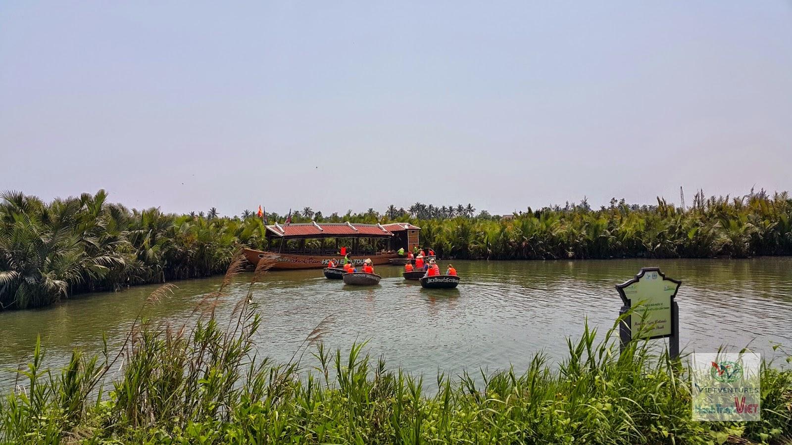 Tham quan rừng dừa bảy mẫu ở Hội An
