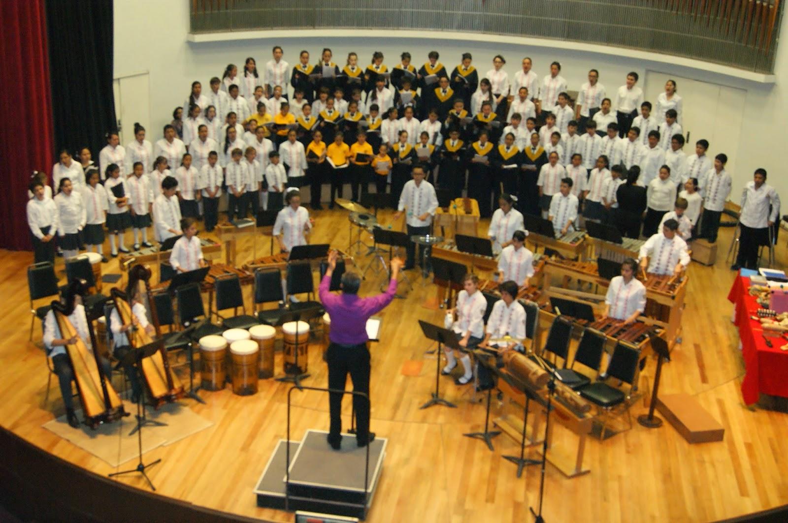 Gaceta artene c sar tort recibe homenaje en el for Conservatorio de musica