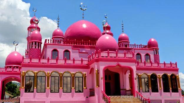 kisah Sebenar Keunikan Sebuah Masjid Berwarna Pink
