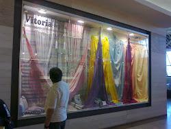 Nossa nova cartela de cores 2011/2012 já está na vitrine do Shopping Iguatemi. Vem conferir.