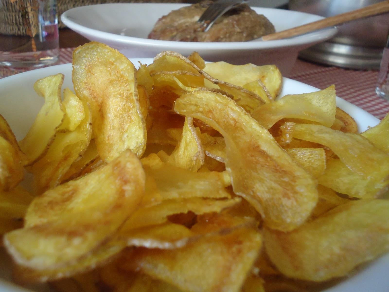 Coscaranes y canela.: Lomo de cerdo con salsa de almendras y patatas ...