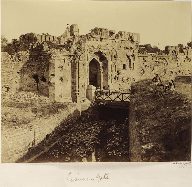 Kashmiri gate - Delhi, 1858