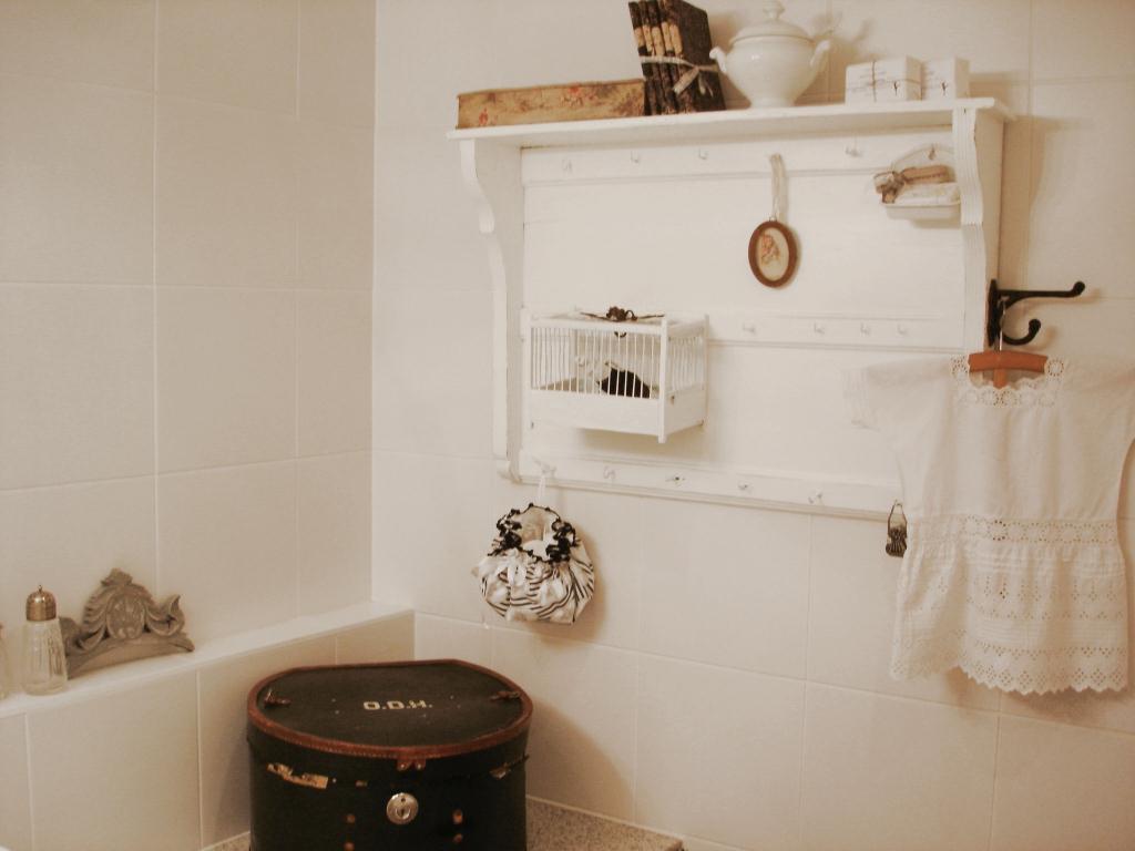 bad make over. Black Bedroom Furniture Sets. Home Design Ideas