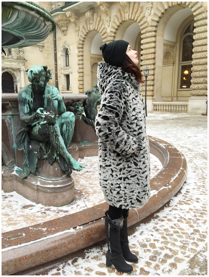 monki fake fur coat #ootd #whatiwore #lookbook #fakefur http://junegold.blogspot.de