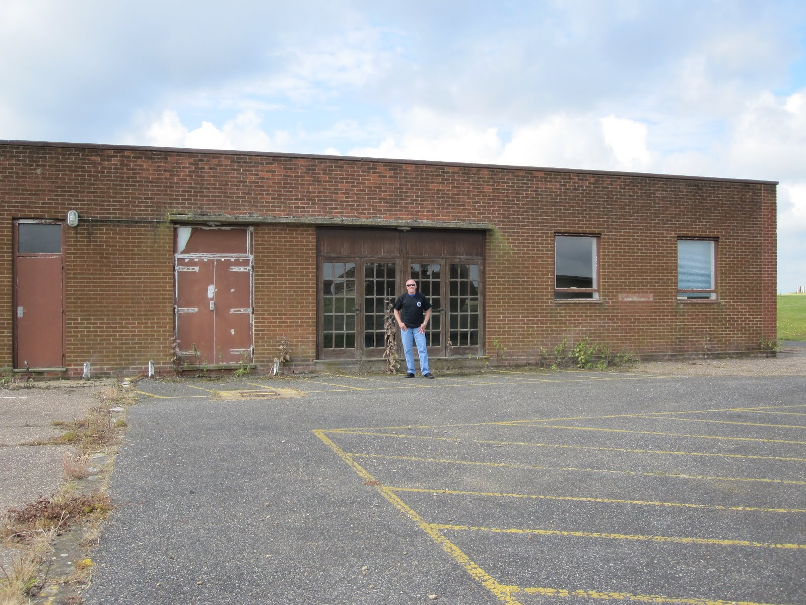 rowdy in raf bentwaters both of those squadrons moved to raf alconbury in 1988 at that same time an f 16 aggressor squadron moved to bentwaters and took over this building after