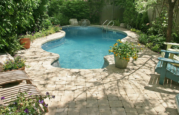 Very Small Backyard Pools :  pools for small yards on Pinterest  Small Pools, Small Swimming Pools