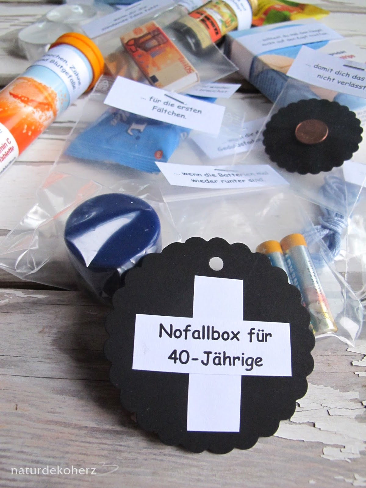 Naturdekoherz notfallbox zum 40 geburtstag for Bastelideen zum 40 geburtstag