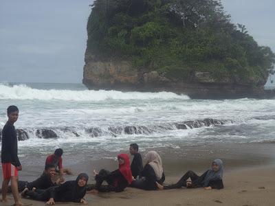Pantai Jolangkung