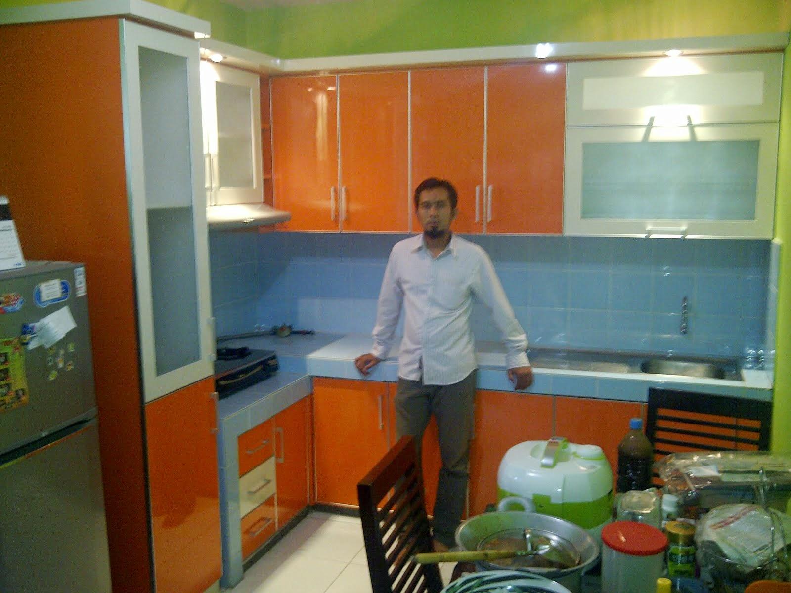 Jasa kitchen set jenis granit untuk kitchen set for Harga granit untuk kitchen set