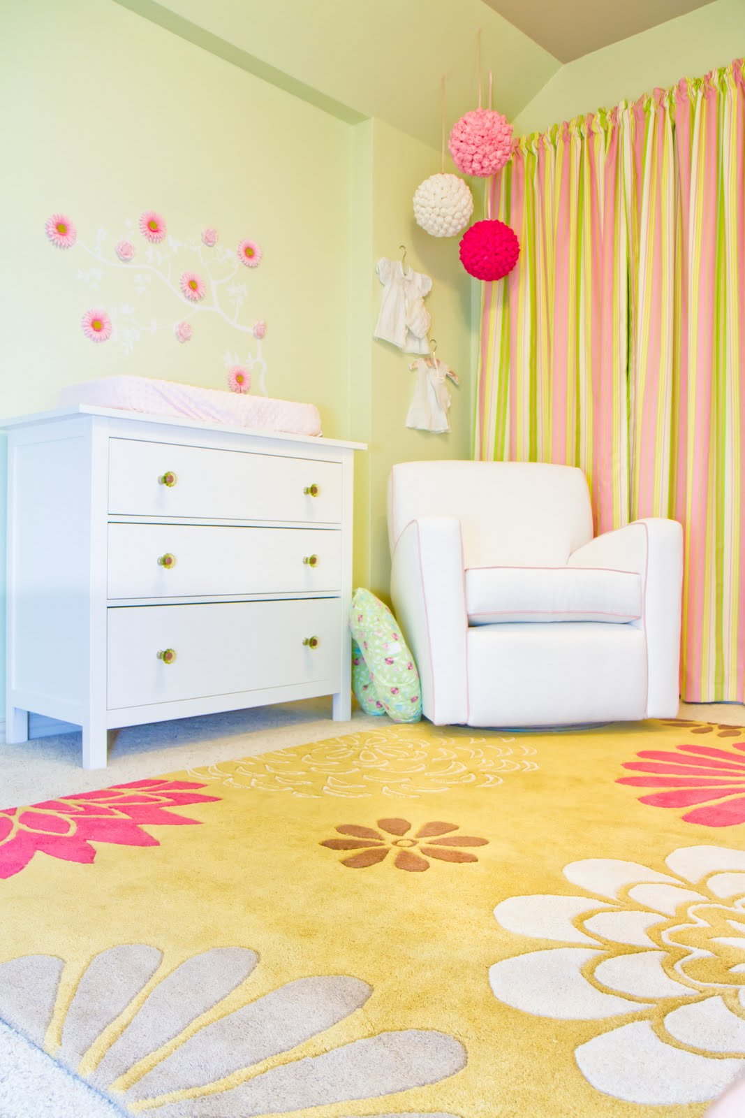 hope longing life special project pink and green nursery reveal. Black Bedroom Furniture Sets. Home Design Ideas