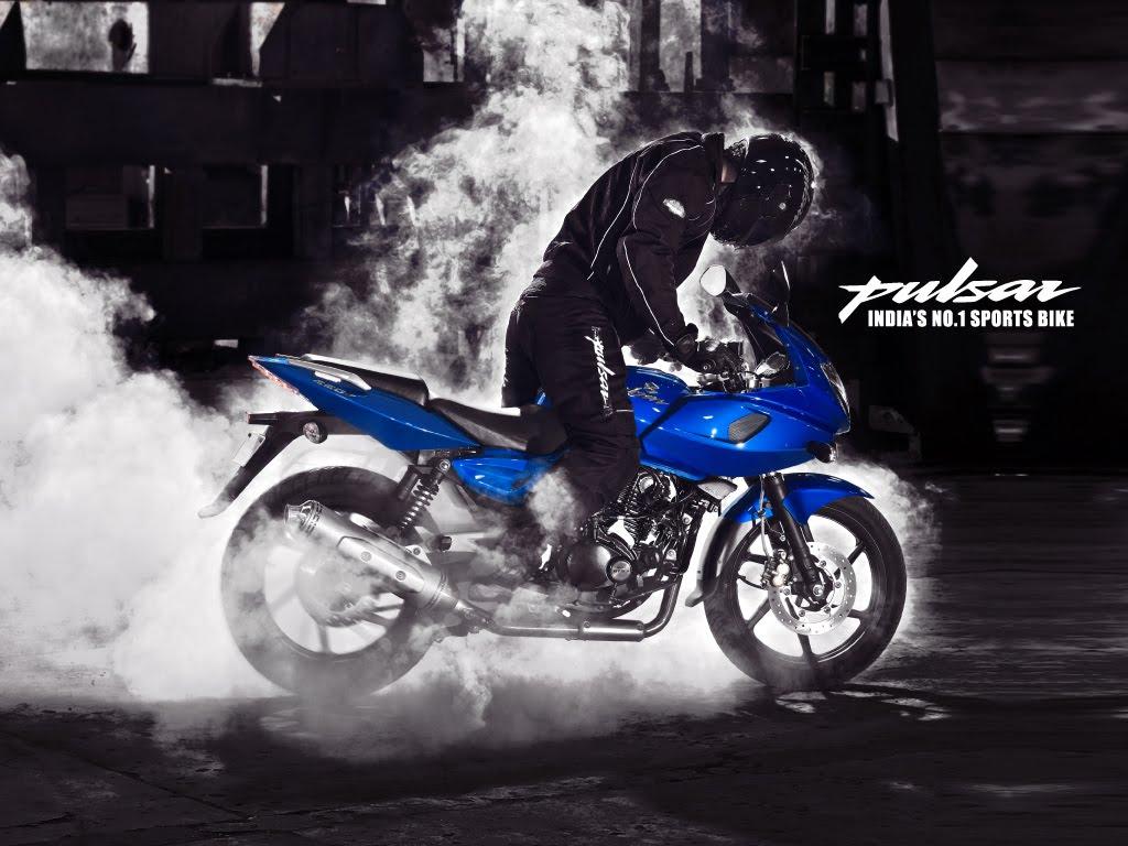 Pulsar 220 Stunts
