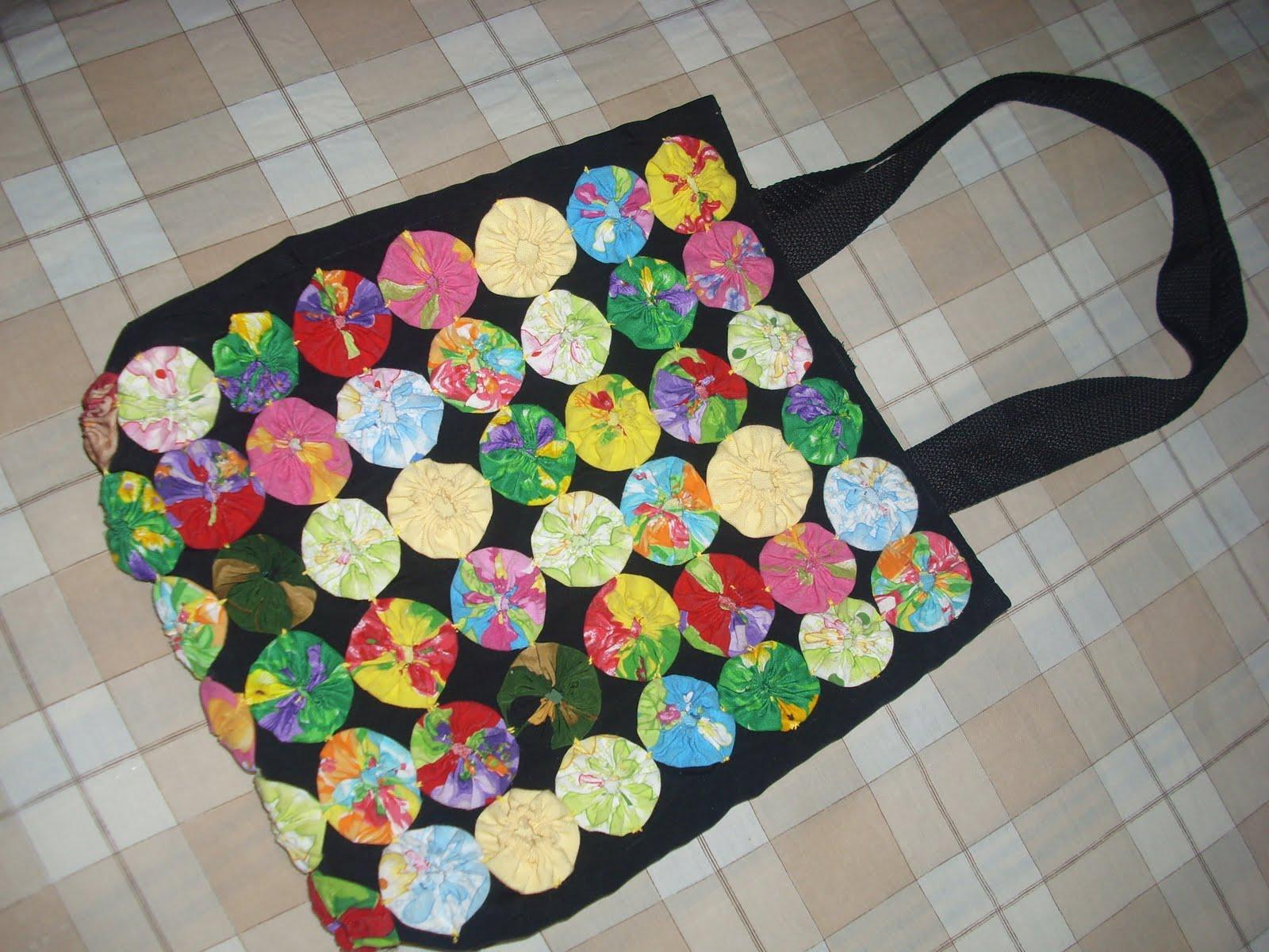 Ara ito tejedor bolsa con yoyos de tela - Bolsas de tela manualidades ...
