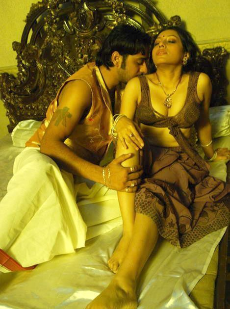 Kamapichachi Actress Hot Scene