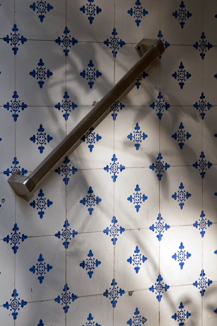 blue and white tiles with shadow