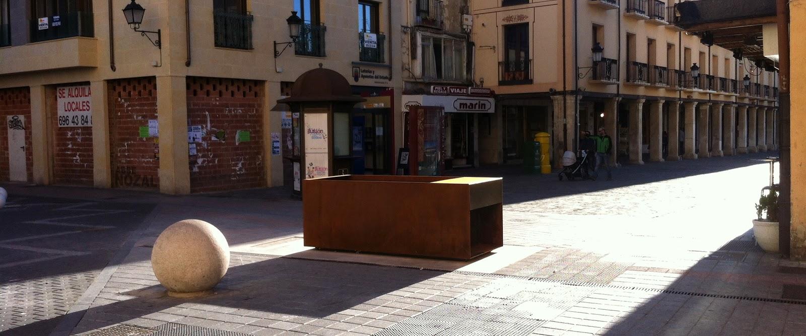 Sarcófago abrevadero, 2015 Abbé Nozal