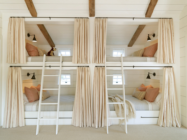 Hollywood cape cod built in bunk beds for Bunk beds built into the wall
