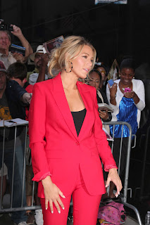 Blake Lively looks amazing in red outfit