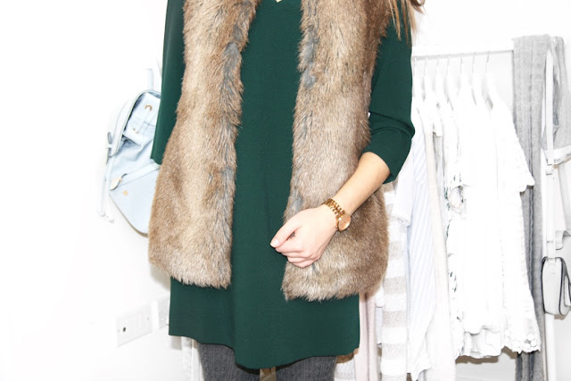 Katherine Penney Chic Winter Fashion Style Dress Shift Emerald Green Pretty Preppy Casual