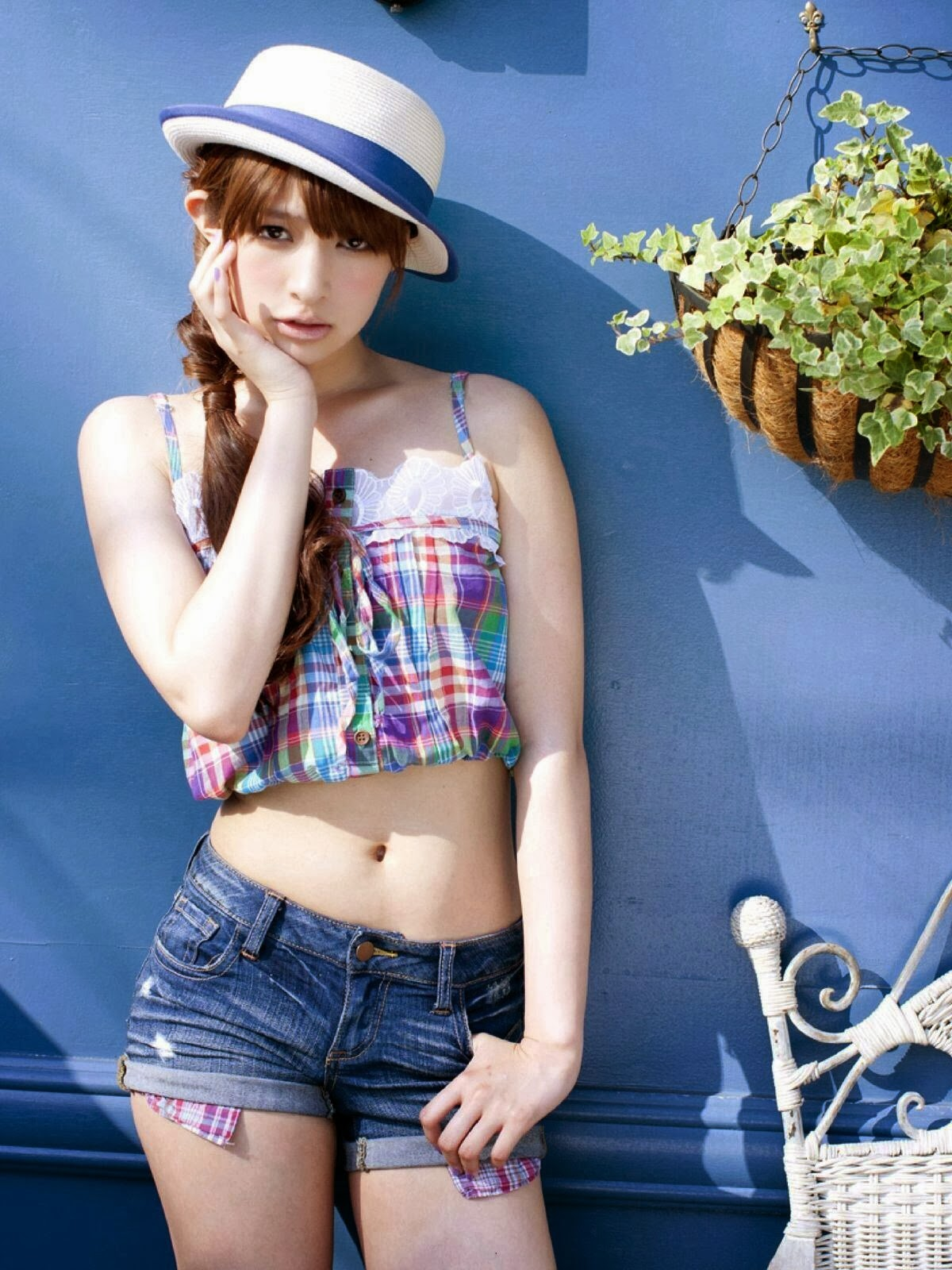PchLounge: Japanese Girls Wear Hot Pants
