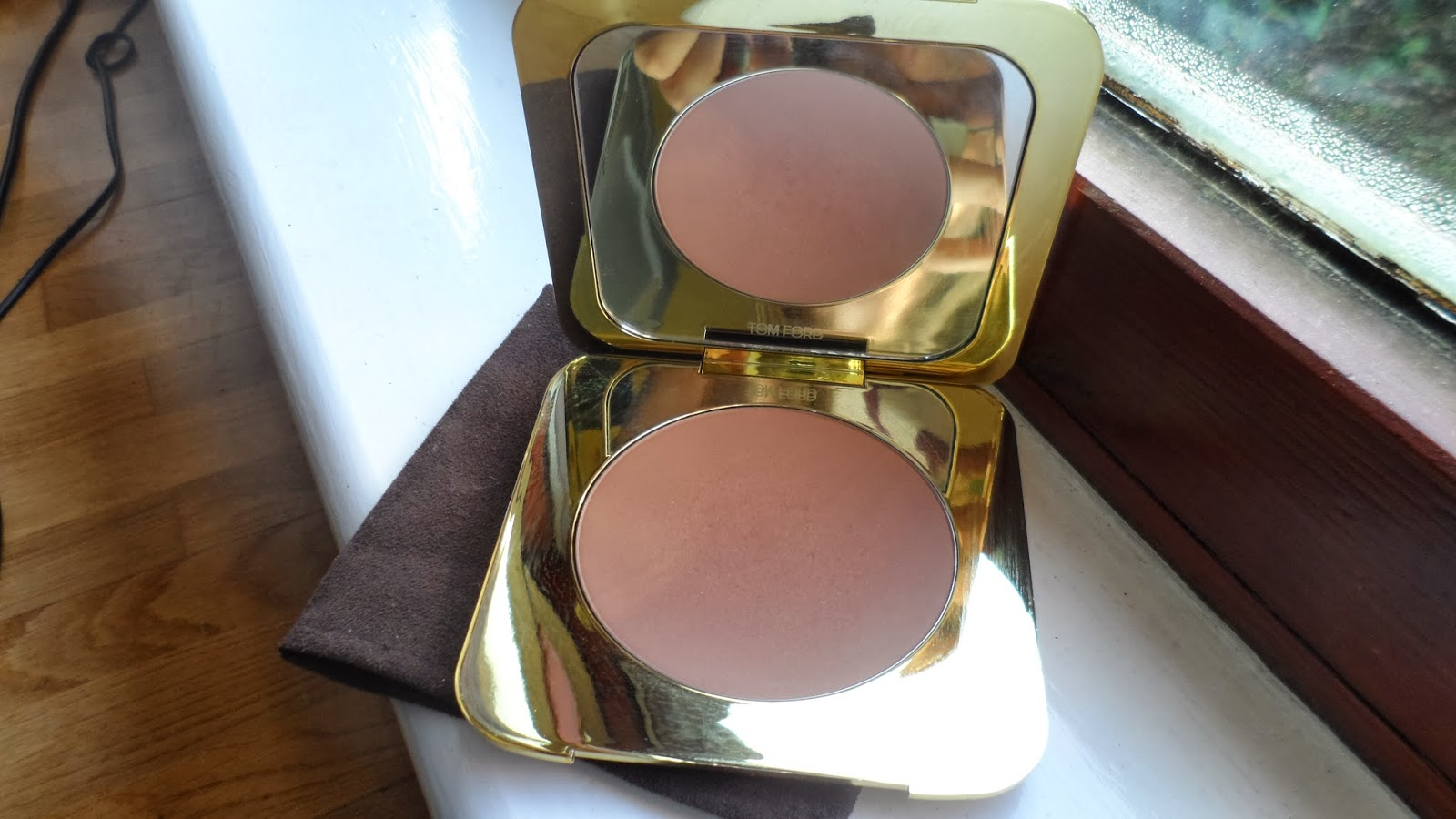 slhmakeup tom ford bronzing powder in terra. Black Bedroom Furniture Sets. Home Design Ideas