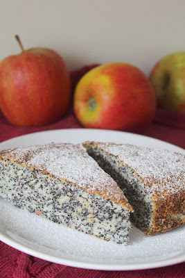 Ciasto z makiem i jabłkami (na białkach)
