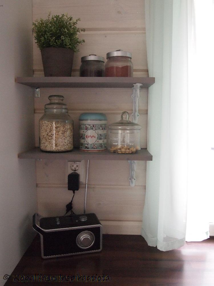 Kopallinen inspiraatiota Hyllyt keittiön seinälle