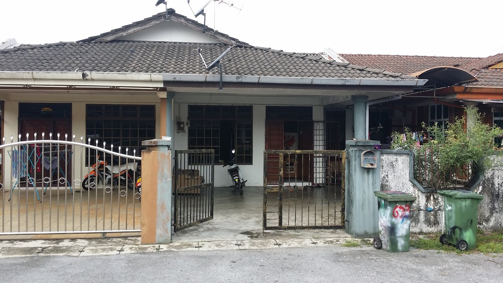 Kuching property and real estate sale single storey for 3 storey terrace house for sale