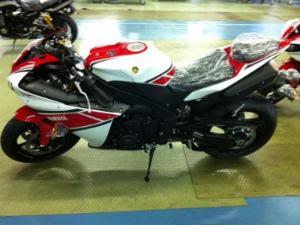 Gambar Motor Yamaha R1 2012 Facelift