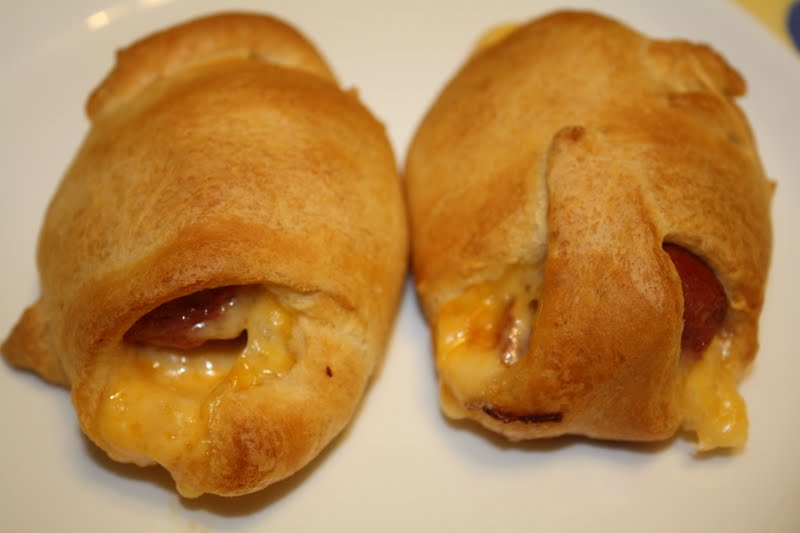 Pigs In A Blanket Using Hot Dogs