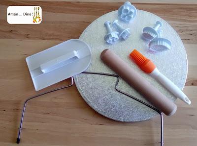 Matériel pour décoration pâte à sucre